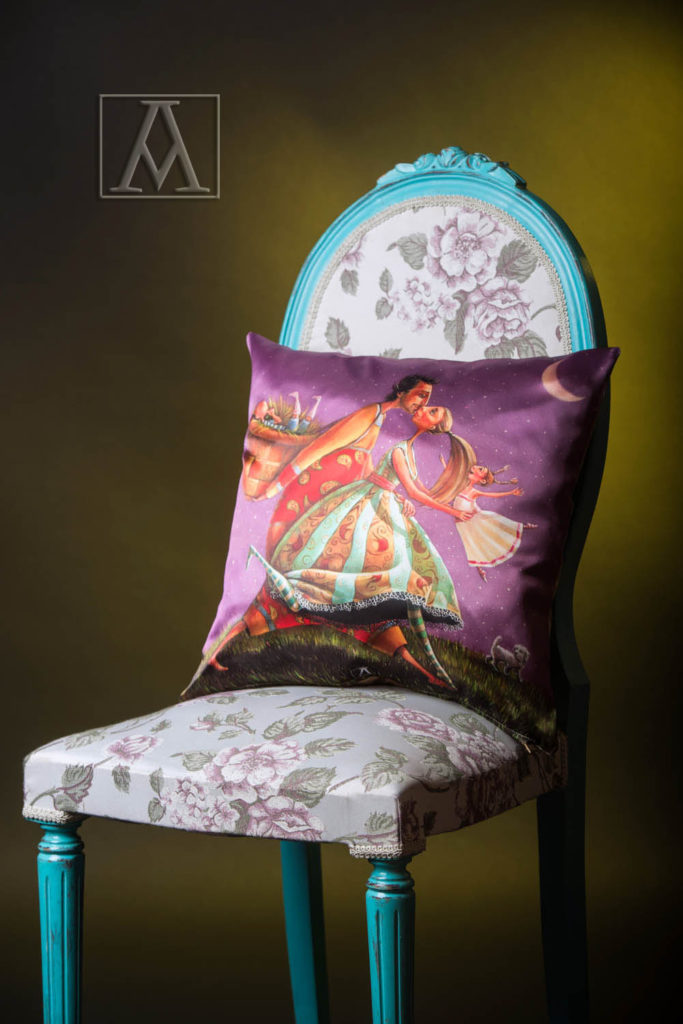 cushion-by-satin-_moonwalk_-50x50cm-code_cs08